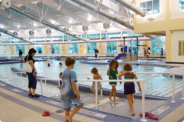 Muehlenbeck-Rec-Center_Pool.600x399